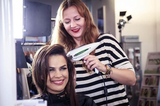 Hiszpańska technologia przedłużania włosów